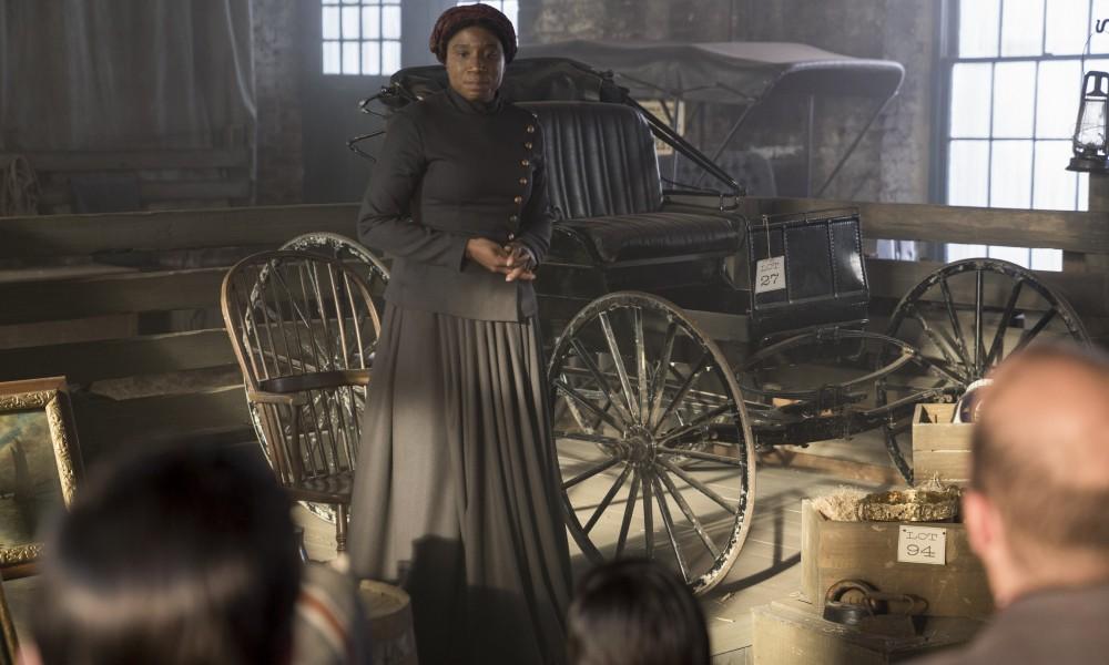 "Aisha Hinds as Harriet Tubman on WGN America's ""Underground"" (PRNewsFoto/WGN America)"